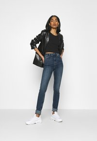 Weekday - BODY HIGH - Jeansy Skinny Fit - mid blue - 1