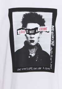 Won Hundred - LOVE IS NOT A CRIME 2019 - Print T-shirt - white - 2