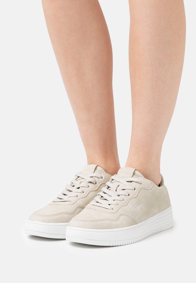Esprit - CAMBRIDGE - Sneakers laag - beige