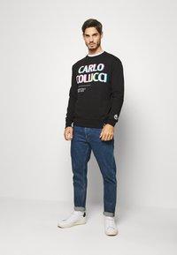 Carlo Colucci - PRIDE CREW - Sweatshirt - schwarz - 1
