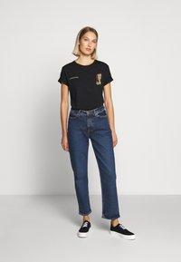 YOURTURN - T-shirt z nadrukiem - black - 5