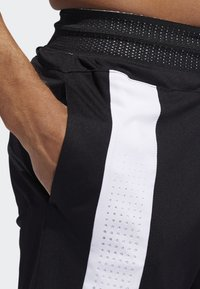 adidas Performance - CREATOR 365 SHORTS - Sports shorts - black - 6