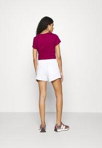 Calvin Klein Jeans - MICRO BRANDING - Shorts - white - 2