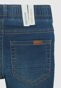 Name it - NMMROBIN DNMTHAYERS PANT - Slim fit jeans - medium blue denim - 2