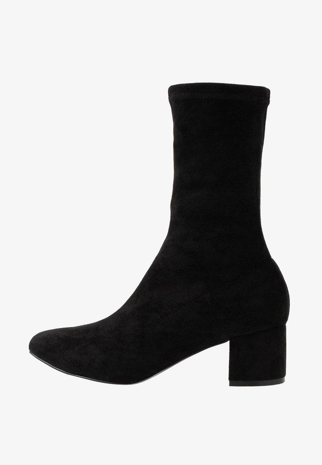 ORLA VEGAN  - Classic ankle boots - black