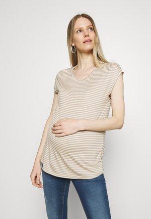 OLMWILMA  - Print T-shirt - humus/cloud dancer