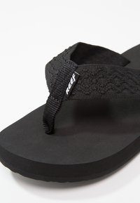 Reef - SMOOTHY - Sandaler m/ tåsplit - black - 5