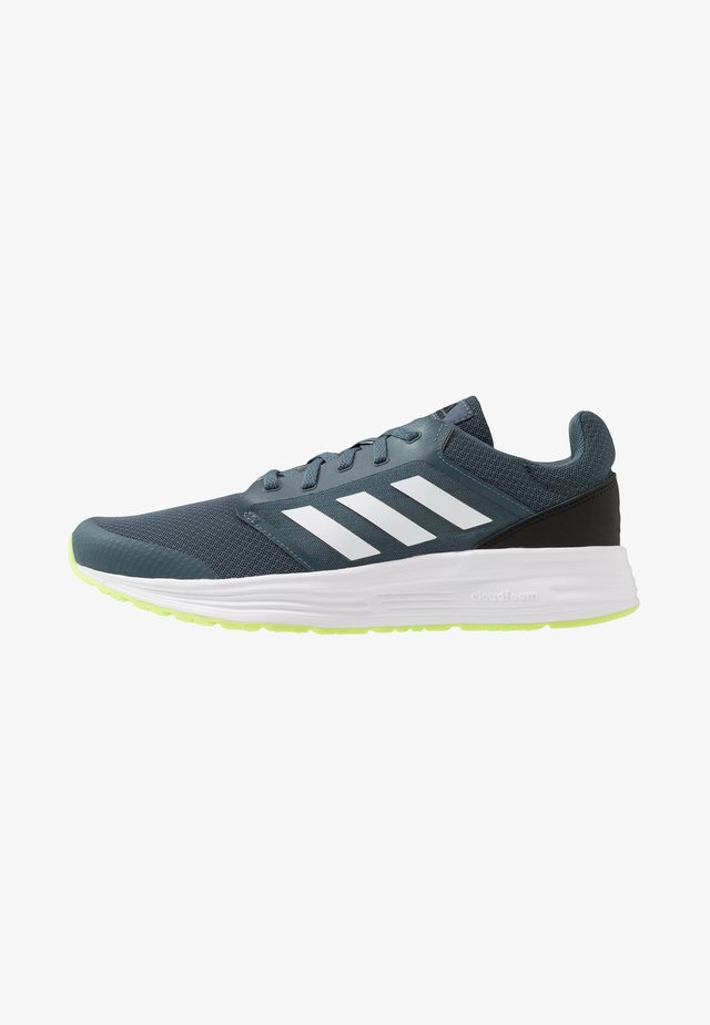 GALAXY  - Neutral running shoes - legend blue/footwear white/signal green