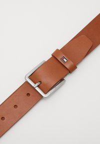 Tommy Hilfiger - URBAN DENTON - Belt - brown - 2