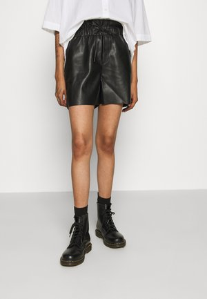 NMELISA - Shorts - black