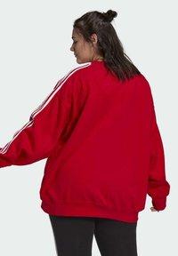 adidas Originals - ADICOLOR ORIGINALS SLIM PULLOVER - Sweatshirt - red - 2