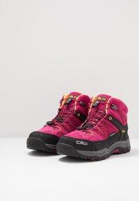 CMP - KIDS RIGEL MID SHOE WP UNISEX - Hiking shoes - bouganville/goji - 3