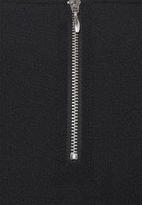 ONLY Carmakoma - CARLUXMILA DRESS SOLID - Day dress - black - 2