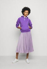 Polo Ralph Lauren - LONG SLEEVE - Felpa con cappuccio - spring violet - 1
