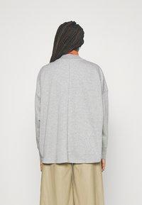 Nike Sportswear - FEMME - Zip-up hoodie - grey heather/matte silver/white - 2