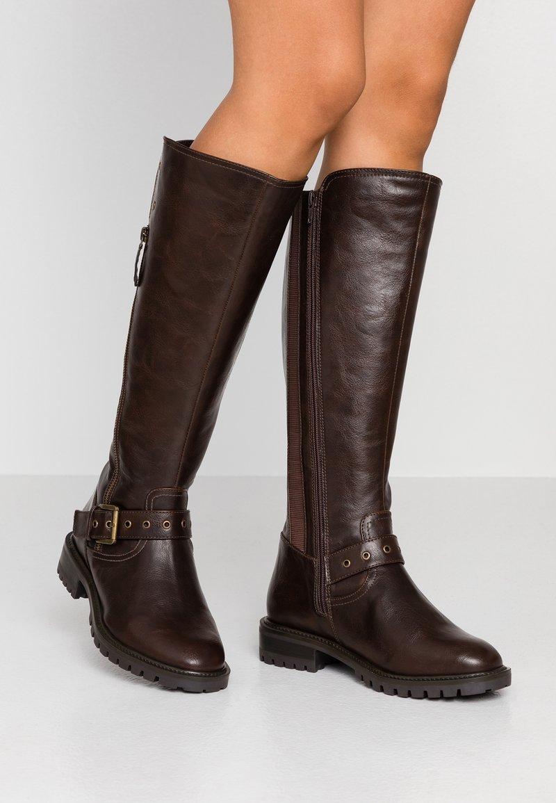 Simply Be - WIDE FIT GWEN KNEE HIGH - Kovbojské/motorkářské boty - brown