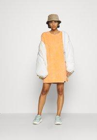 Von Dutch - KENDALL - Jersey dress - orange - 4