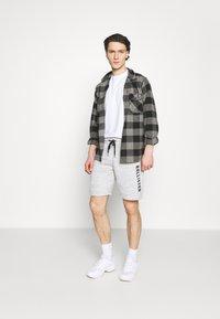 Hollister Co. - MODERN TECH - Shorts - grey - 1