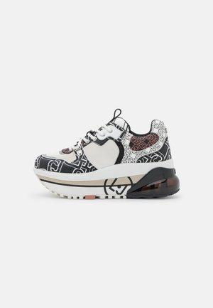 AIR MAXI  - Sneakers laag - black/white