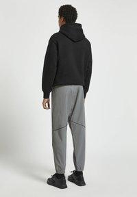 PULL&BEAR - Tracksuit bottoms - grey - 2