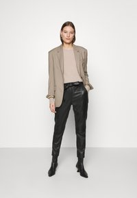 Second Female - INDIE NEW TROUSERS - Leather trousers - black - 1