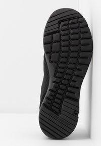 Skechers Sport - FLEX APPEAL 3.0 - Zapatillas - black/hot pink - 6
