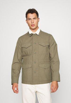 TRAVIS FIELD - Shirt - vintage green