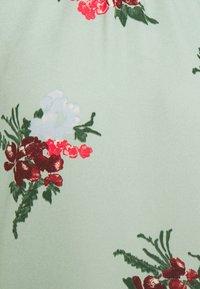 Vero Moda - VMNEWALLIE SMOCK - Blouse - green milieu - 6