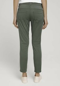 TOM TAILOR - Chinos - grape leaf green - 2
