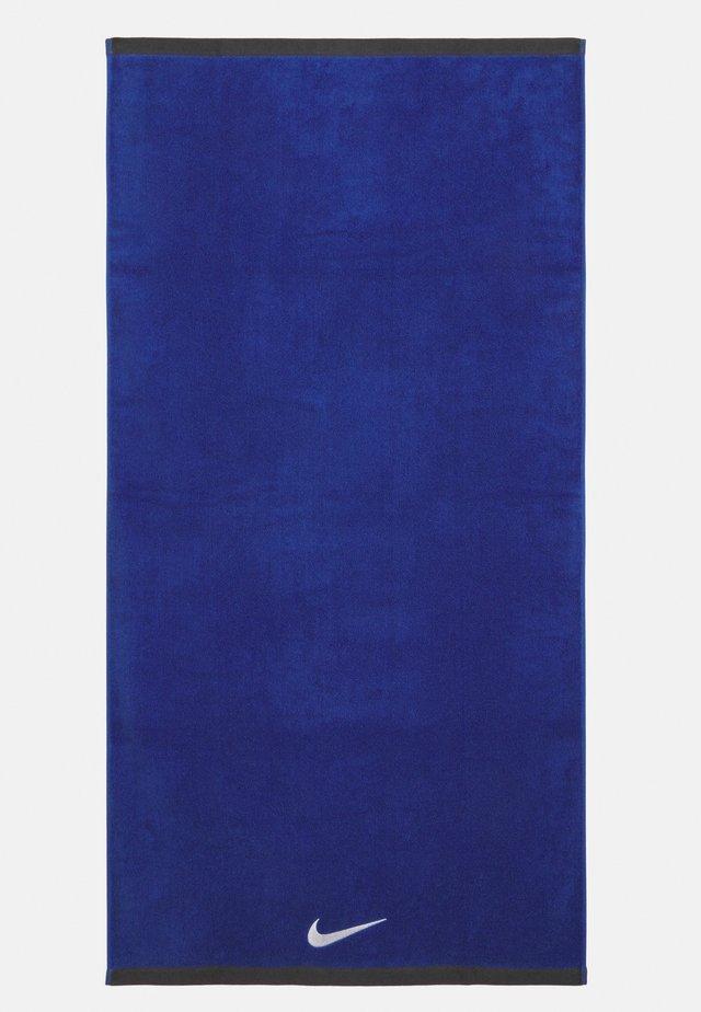 FUNDAMENTAL TOWEL UNISEX - Complementos de playa - varsity royal/white