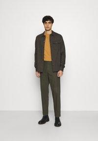 Ben Sherman - TROUSER - Trousers - khaki - 1