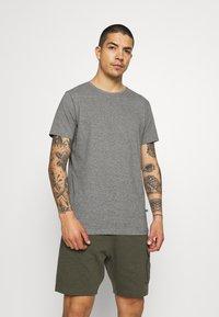 Matinique - JERMANE 3 PACK - Basic T-shirt - black/grey/olive - 1