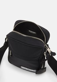 MOSCHINO - UNISEX - Across body bag - black - 3