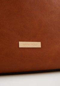 Anna Field - Shoppingveske - cognac - 4