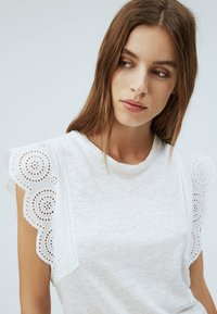 Pepe Jeans - CLARA - Basic T-shirt - off-white - 3