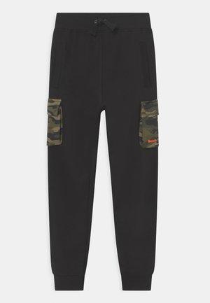 CALDER - Spodnie treningowe - jet black