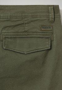 Napapijri - MOTO WINT - Cargo trousers - green depths - 3