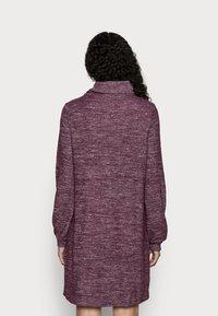 GAP Petite - TURTLENECK DRESS - Strikket kjole - secret plum - 2