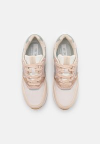 mtng - ALEXIA - Sneakersy niskie - grotto/nude - 5