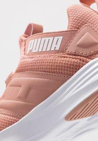 Puma - CONTEMPT DEMI - Zapatillas de running neutras - cameo brown/white - 5