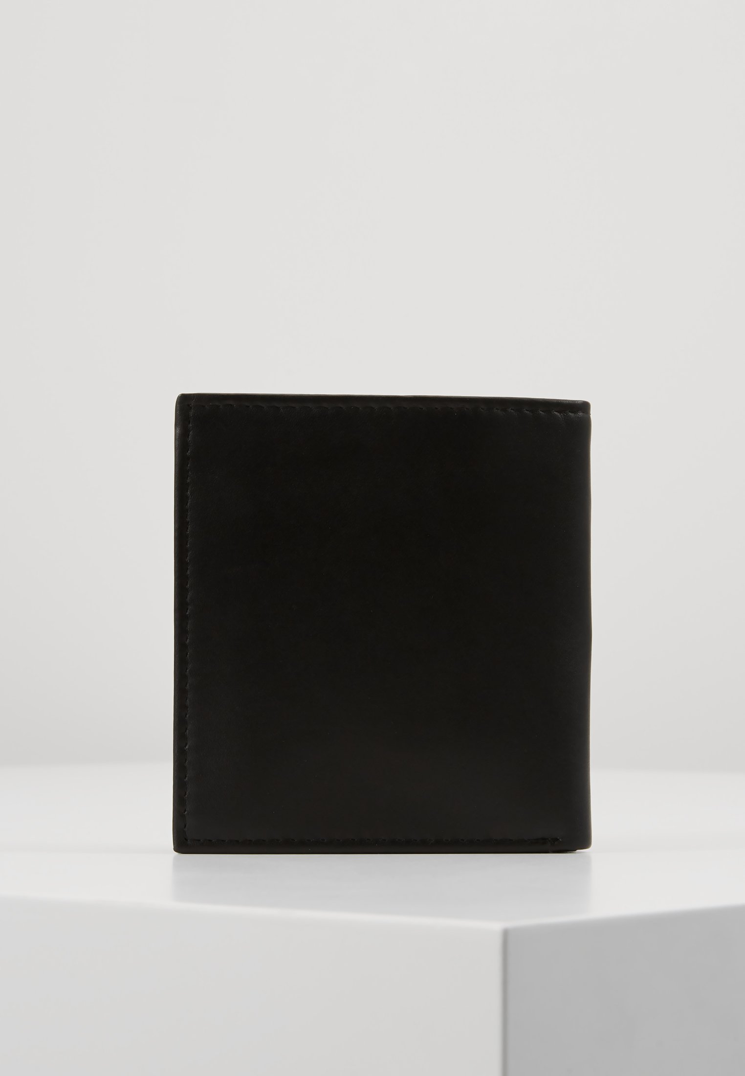 Guess GERARD SMALL BILLFOLD - Lommebok - black/svart MdnVHPmSpmnmlF6