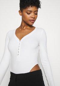 Monki - AINO  - Long sleeved top - white - 3