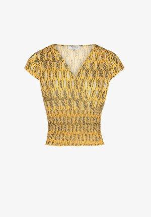 VEGETAL PRINT - Print T-shirt - yellow