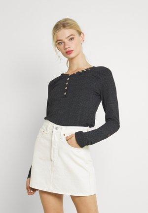 PINCH - Long sleeved top - black