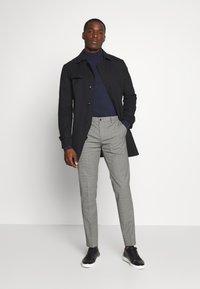 Tommy Hilfiger Tailored - MINI CHECK SLIM FIT PANT - Pantaloni - grey - 1