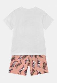 adidas Originals - SHORT SET UNISEX - Print T-shirt - white/multicolor/glow pink - 1