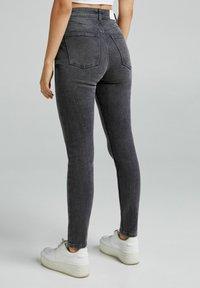 Bershka - Jeans Skinny Fit - dark grey - 2
