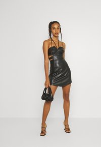 Missguided - DOUBLE CUT OUT MINI DRESS - Cocktail dress / Party dress - black - 1