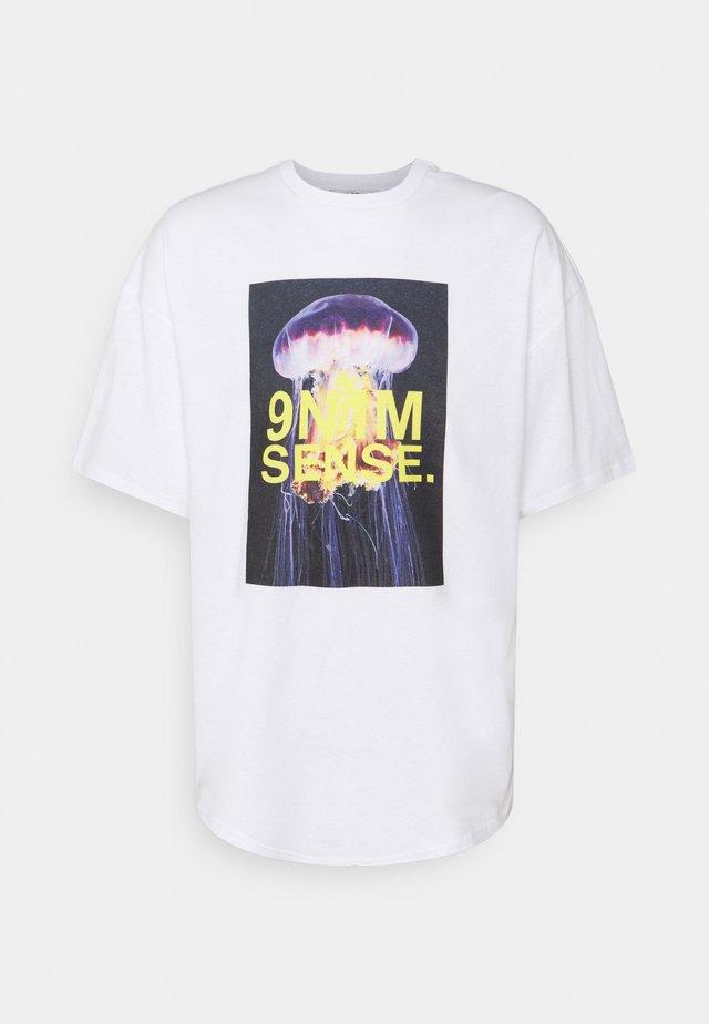 JELLYFISH UNISEX - Print T-shirt - white