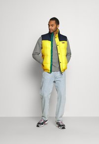 Tommy Jeans - CORP VEST - Waistcoat - valley yellow - 1